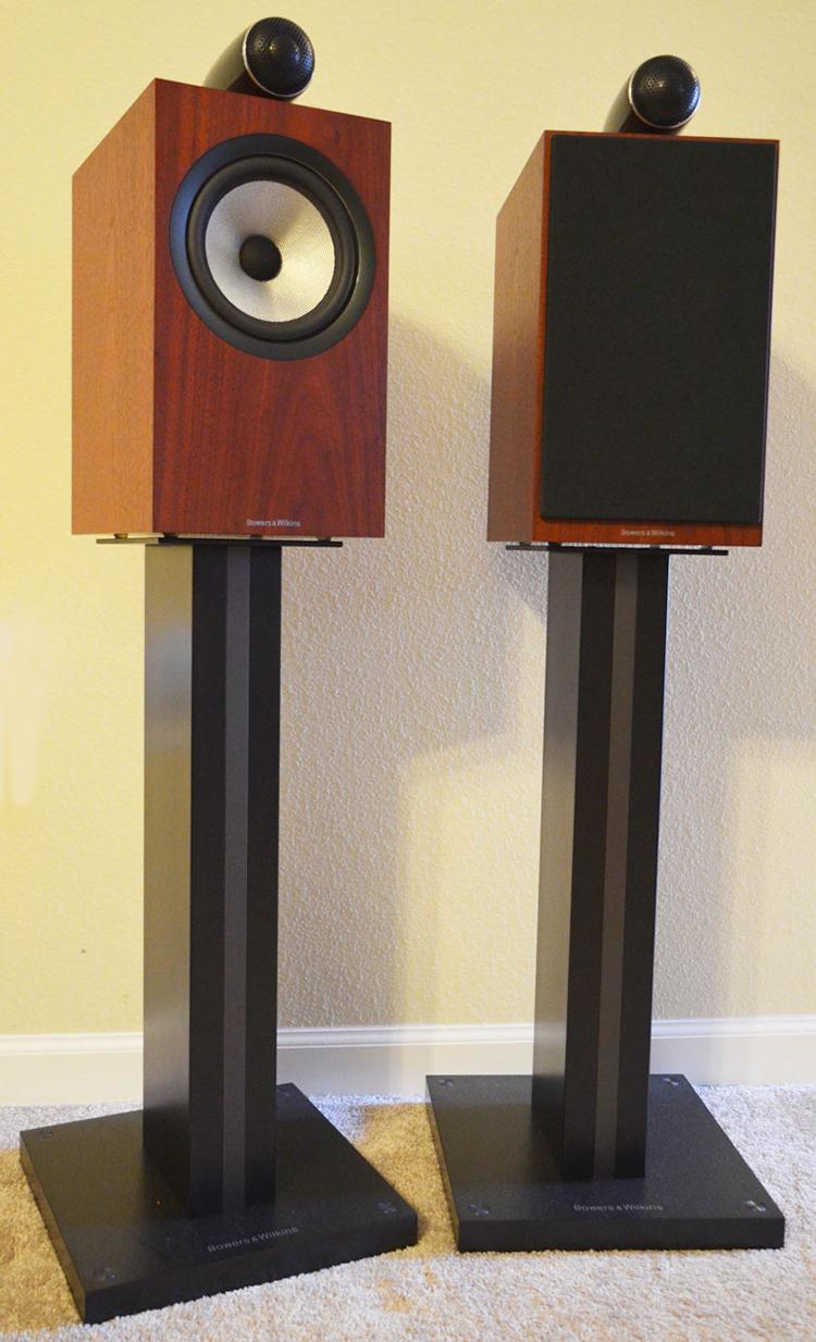 B&W 705 S2 speakers