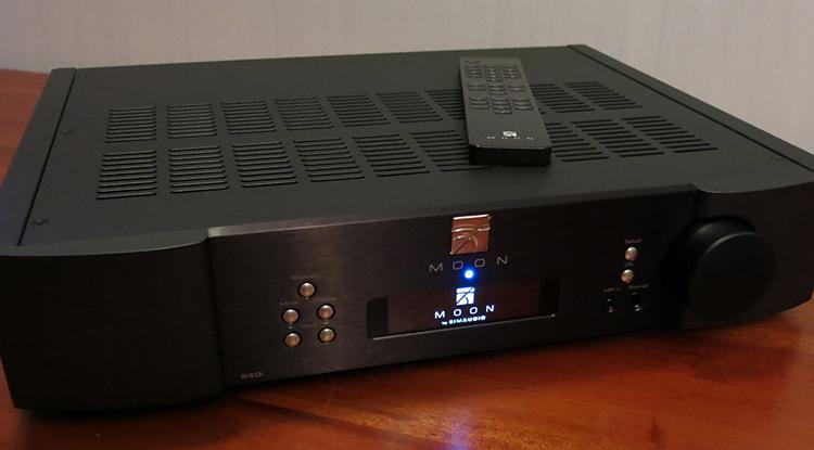 SimAudio 240i Apmlifier Front